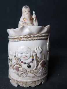 Superb ivory lidded jar with Shibayama – Japan – ca. 1880–1900