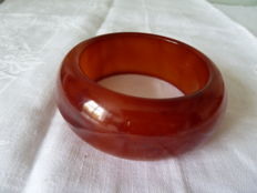 Large bracelet made of tested Bakelite