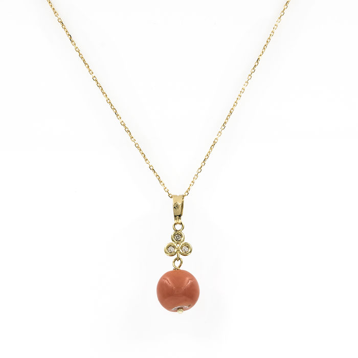 18 kt/750 yellow gold - Choker with pendant - Diamonds: 0.10 ct - Natural Pacific coral: 9.10 mm