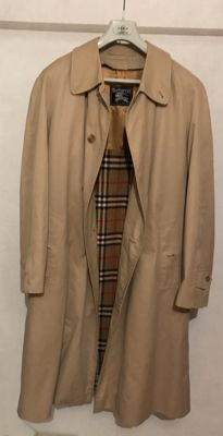 Elegant Burberry – Trench coat with pure wool lining