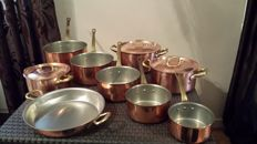 Superb set of 9 Pieces 3 pans with lids, 5 saucepans and 1 paella plate in tinned copper, solid brass handle