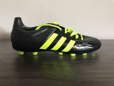 Adidas football boot autographed by Clarence Seedorf + certificate of authenticity + photos of the moment of the signature