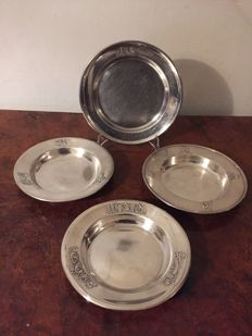 4 vintage silver plated baby dishes, different tails.