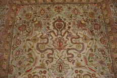 Hand-knotted Turkish orient original fine antique Hereke signed approx. 158 x 108 cm. Perfect condition fine knotting approx. 1,200,000 knp.