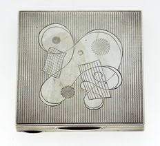 Vintage Silver Ladies Compact Box With Decorative Engravings - E Silver & Co - London - 1951