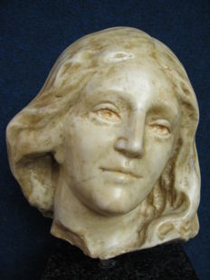 Carrara marble head of a young woman - Northern Italy - 17th century