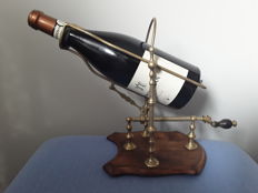 copper mechanical decanter, wine holder