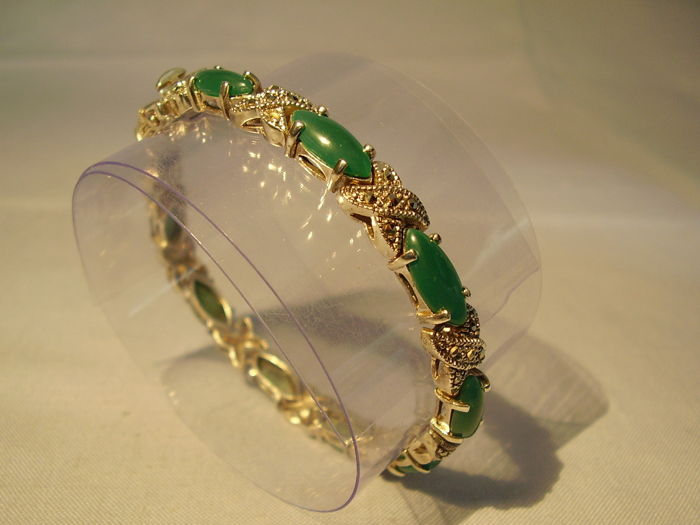 Bracelet with green agate - navettes (25ct) and marcasites