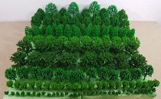 Scenery H0/N - set/collection with which to decorate the model railroad with more than 150 trees