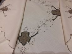 Handmade tablecloth - peahole hemstitch and Burano lace