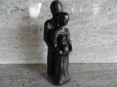 bronze plated heavy sculpture of a pregnant woman and man, 3.2 kg