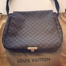 Louis Vuitton Abbesses messenger bag