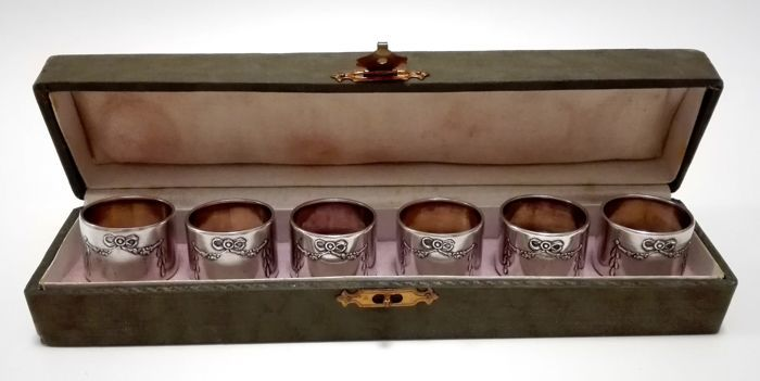Set of six silver serviette rings with floral engravings in case, Germany, Jakob Grimminger - Schwabisch Gmund, ca.1900