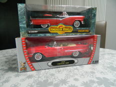 Ertl-American Muscle / Road Signature Collection - Schaal 1/18 - Ford Sunliner 1956 & Chrysler 300F 1960