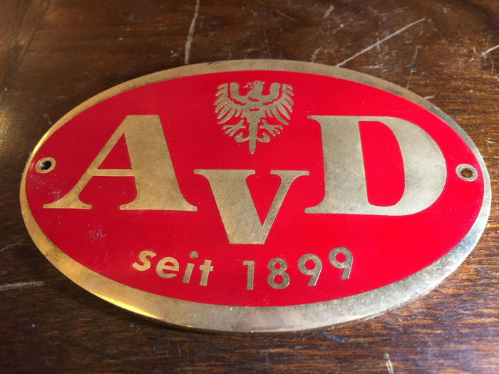 AvD plaque, heavy brass and enamel, red on gold