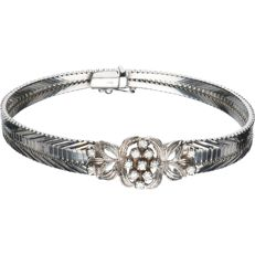 14 kt White gold bracelet, set with 13 brilliant cut diamonds of approx. 0.03 ct each - Size: 19 cm