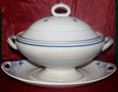 "Wedgwood - Large Soup Tureen with tray ""ELEGANCE""-"