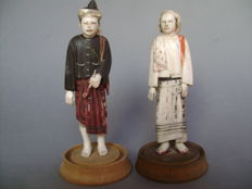 Burmese peasant couple made of ivory – Myanmar – end of 19th century.