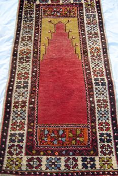 Old Ladik prayer rug - Central Anatolian Konya region - Period between 1920/50.