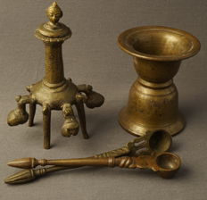 Collection of four bronze items – India and Nepal – 1st half 20th century