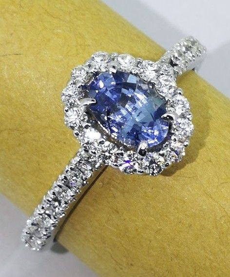 Diamond ring with exclusive sapphire & 30 diamonds, 0.50 ct in total - Ring size 54/16.94 mm