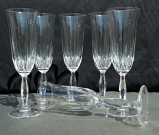 Lot consisting of 6 chiselled and drop cut crystal flutes - France - circa 1935
