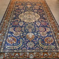 Very special and blue Persian Kayseri rug – 320 x 198 – beautiful design – with certificate
