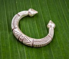 Silver 925 Bracelet Depicting Tribal Symbolism and Shape, 21 cm