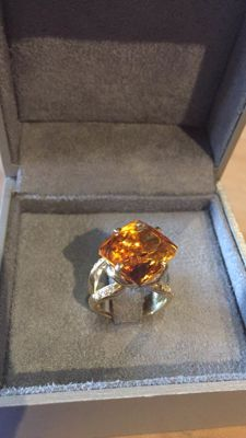 Cocktail ring with citrine and diamonds - Size: 50.