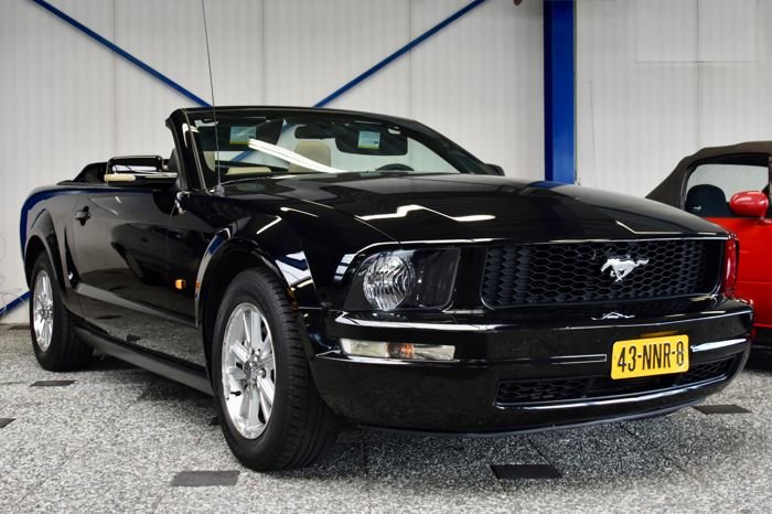 Ford - Mustang Cabriolet - 2008