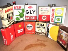 Lot of 11 old cans of oils - Renault / Bp / Antar / Elf / Caltex / Esso /GLY / Schell