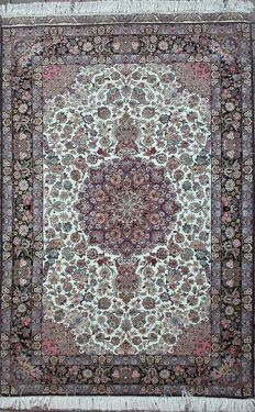 Extraordinary TABRIZ 70 raj in pure natural silk - Magnificently refined!!!