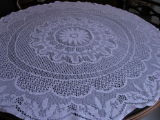 Handmade linen tablecloth, 110 cm - silver plate, 38 cm - No reserve