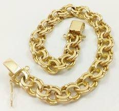 Solid Hungarian mail bracelet in 18 kt/750 gold. Weight: 31.85 grams