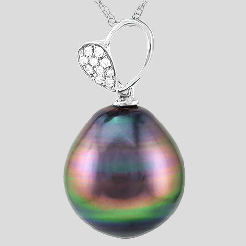 Beautiful Pear Design 18 kt white gold pendant with Tahitian black pearl and 0.039 ct Diamond **no reserve price**