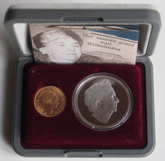 The Netherlands - 10 Guilder 1932 - gold - in set with silver medal: ´Wilhelmina's last gold´