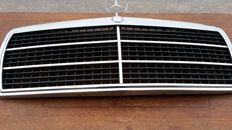 Mercedes Benz 190 radiator grill complete with star and logo type 1985