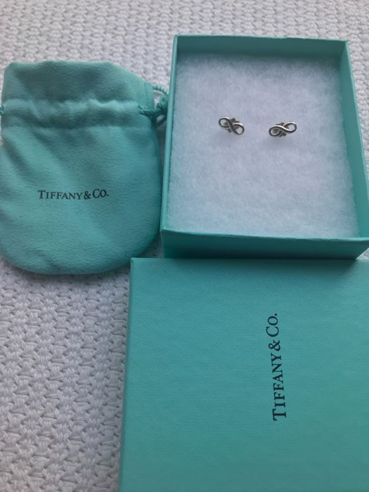 Tiffany - small ribbon earrings/studs - full set with receipt - No reserve price