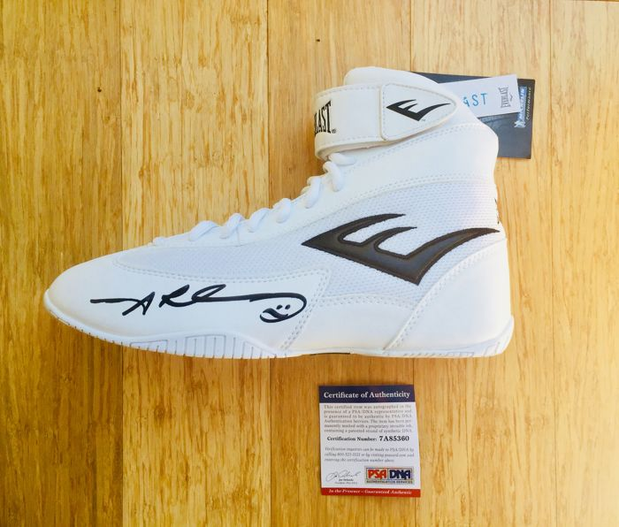 Sugar Ray /  Original Signed Boxing Boot  - with Certificate of Authenticity PSA/DNA