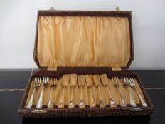 6 People silver plated Art Deco fish cutlery in original box