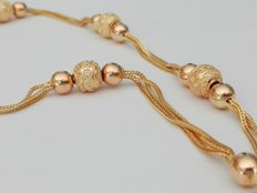 19.2 kt – gold necklace with crafted gold balls – 15.1 g – 44 cm