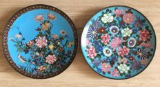 A colorfull set of two cloisonne chargers - Japan - late 19th century - Meiji period