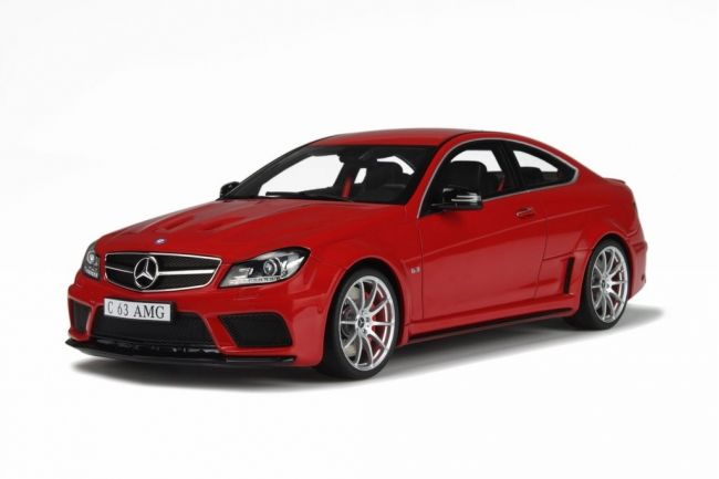GT-Spirit - Schaal 1/18 - Mercedes-Benz C63 AMG Black Series- Kleur Rood -  Limited 1500 Pieces