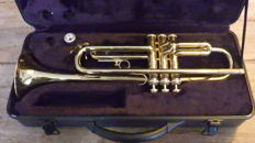 B&S gilded jazz trumpet with 3 valves and mouthpiece