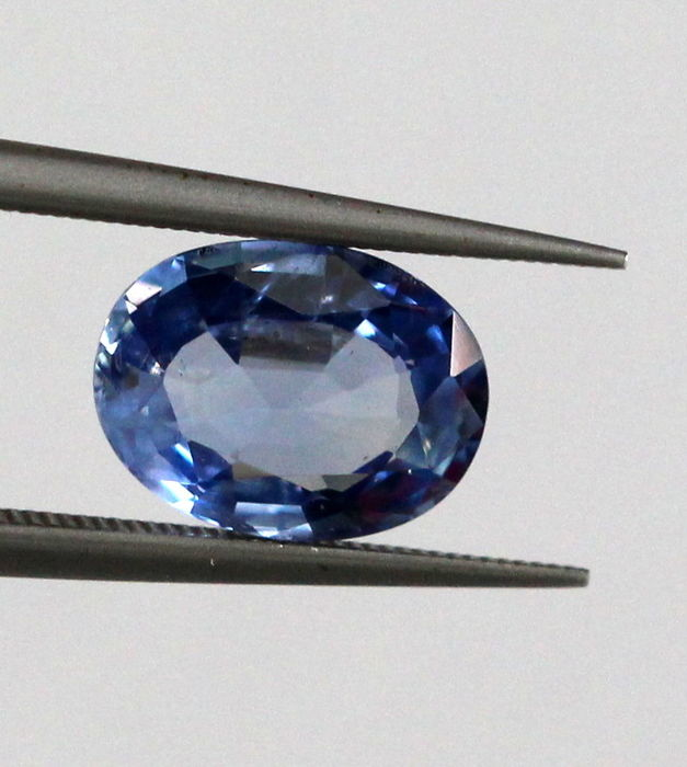 Sapphire - Blue - 1.86 ct  Reserved price