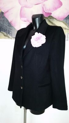 Dolce & Gabbana - Pure cashmere jacket. Made in Italy