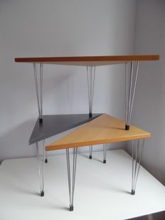 Set of three Scandinavian design triangle tables - end table 'Pin Age' Denmark
