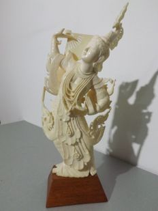 Dancer sculpture in ivory (21 cm) - Thailand or Burma - circa 1930