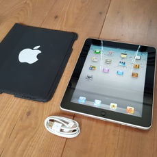 Apple iPad 1 (A1219), 64GB wifi with new chargercable + Original Apple cover