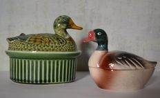 Lot of two ducks in faience, signed Caugant - c.1970